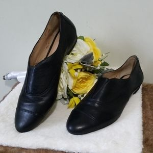 Antonio Melani flat leather loafers size 8